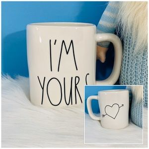 ⭐️2/25 Rae Dunn 2 Sided I'm Yours Heart Arrow Mug